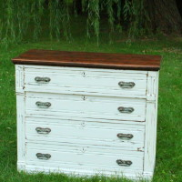 White 4-Drawer Dresser Qty. 1