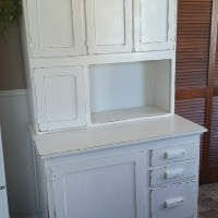 White 2-piece Hutch, perfect for favors, pictures and flowers and more!  Qty. 1